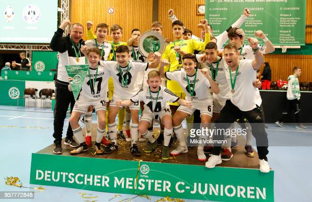 Team of Tennis Borussia Berlin celebrate the winning of the trophy CJuniroen during the DFB Indoor Football on March 25 2018 in Gevelsberg Germany