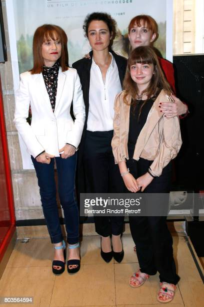 Team of the movie actress Isabelle Huppert director Laura Schroeder actresses Lolita Chammah and Themis Pauwels attend the 'Barrage' Paris Premiere...