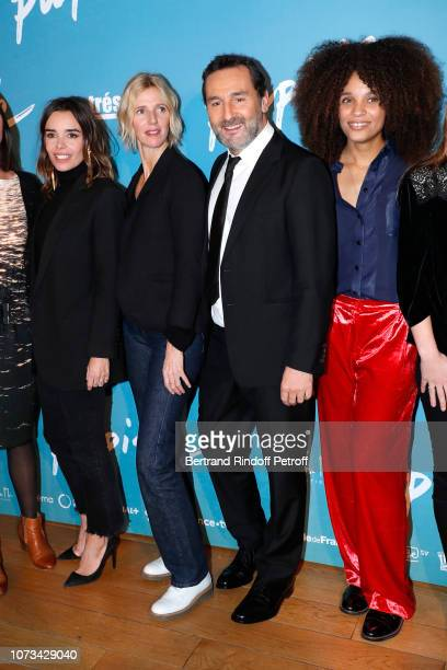 """Team of the movie : Elodie Bouchez, Sandrine Kiberlain, Gilles Lellouche and Stefi Celma attend the """"Pupille"""" Premiere at Cinema Pathe Beaugrenelle..."""