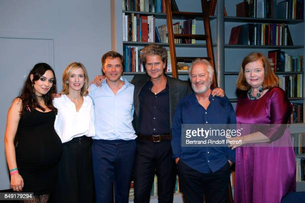 Team of the piece Alka Balbir Lea Drucker Guillaume de Tonquedec autor of the piece Fabrice RogerLacan Bernard Murat and Anne Benoit pose after 'La...