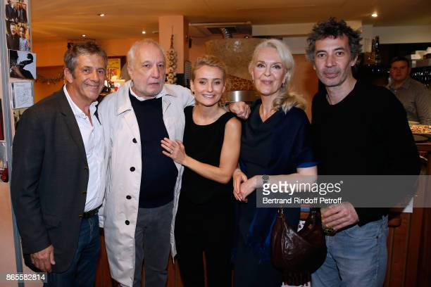 "Team of the piece Stage Director Stephane Hillel, actors Francois Berleand, Elise Diamant, Evelyne Buyle and Eric Elmosnino attend the ""Ramses II""..."