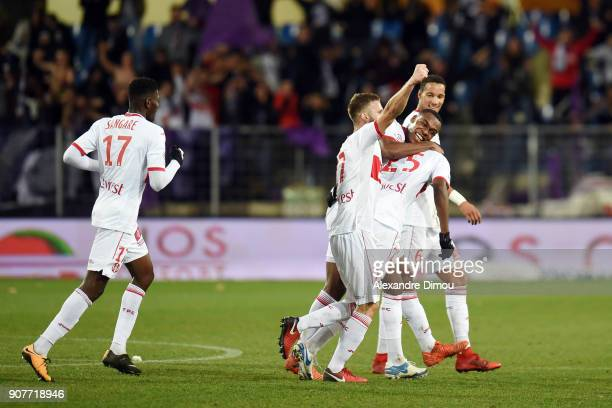 Team of Toulouse celebrates the the goal of Giannelli IMBULA during the Ligue 1 match between Montpellier and Toulouse at Stade de la Mosson on...
