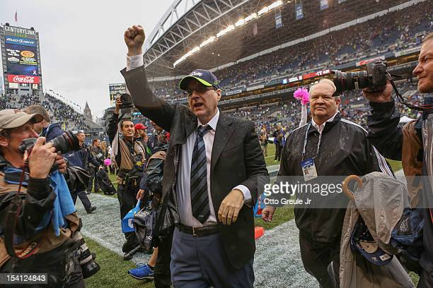 Team owner Paul Allen of the Seattle Seahawks walks off the field after the game against the New England Patriots at CenturyLink Field on October 14...