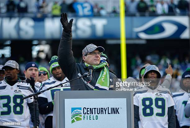 Team Owner Paul Allen of the Seattle Seahawks waves to the crowd during ceremonies following the Super Bowl XLVIII Victory Parade at CenturyLink...