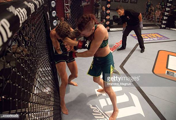 Team Pettis fighter Joanne Calderwood elbows team Melendez fighter Rose Namajunas in the quarterfinals during filming of season twenty of The...