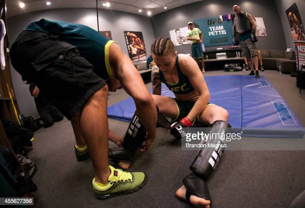 Team Pettis fighter Joanne Calderwood gets ready to warm up before facing team Melendez fighter Emily Kagan during filming of season twenty of The...
