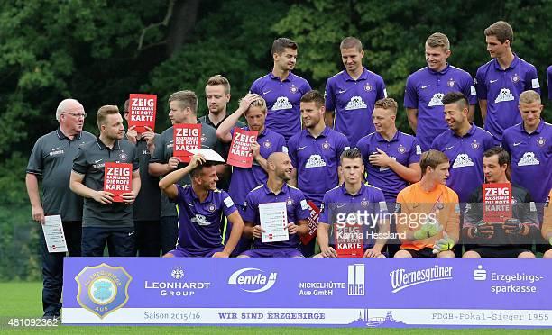 Team Photo back row from left Julian Riedel Adam Susac Steve Breitkreuz Benedikt Krug middle row from left Kit Manager Bernd Zimmermann...