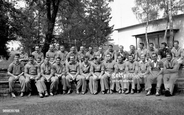 Team photo lineup of the German national football team prior to the 1954 FIFA World Cup tournament in Switzerland at Munich's sports school...