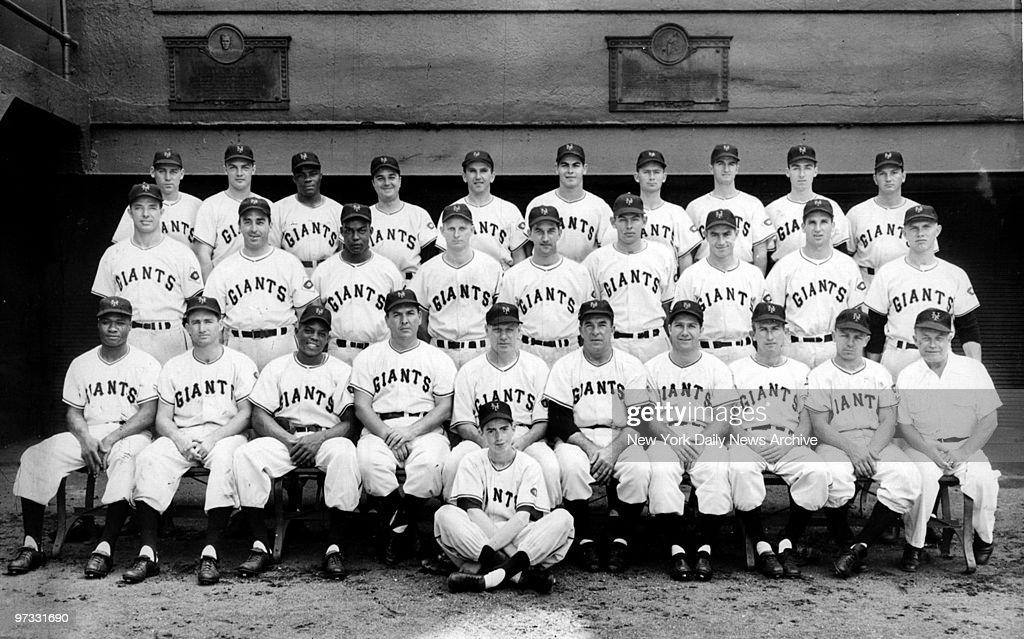 team photo of the 1951 new york giants baseball team ニュース写真
