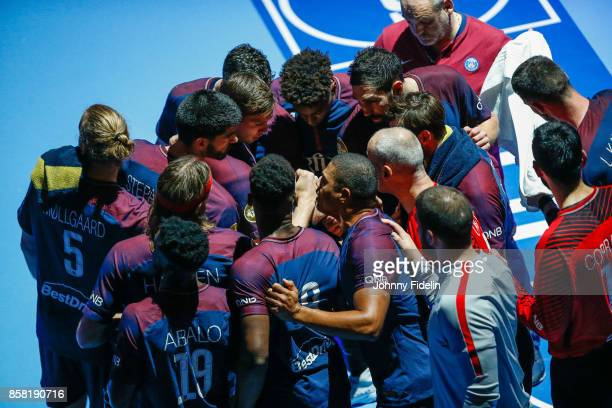 Team PSG during the Lidl Starligue match between Paris Saint Germain and Saint Raphael on October 5 2017 in Paris France
