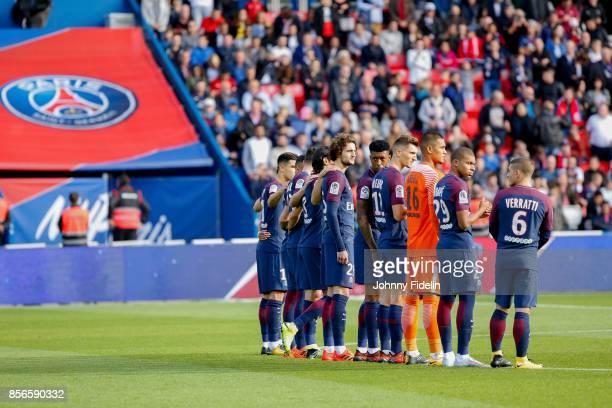 Team PSG during the Ligue 1 match between Paris Saint Germain and FC Girondins de Bordeaux at Parc des Princes on September 30 2017 in Paris