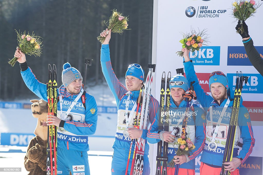 Team Russia on podium celebrating their second place at the... : Nachrichtenfoto
