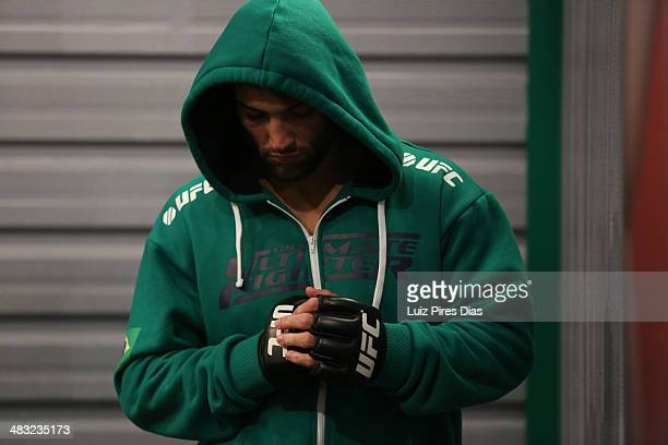 Team Sonnen fighter Guilherme de Vasconcelos warms up before facing Team Wanderlei fighter Ricardo Abreu in their middleweight fight during season...