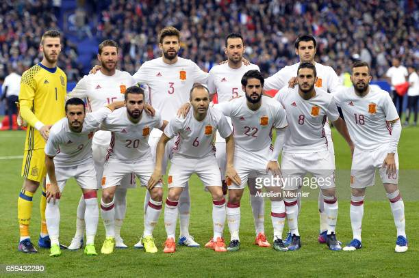 Team Spain pose for a team photo before the international friendly match between France and Spain at Stade de France on March 28 2017 in Paris France