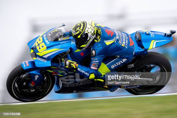 Team Suzuki Ecstar rider Andrea Iannone in qualifying during The 2018 Australian MotoGP at The Phillip Island Circuit in Victoria Australia on...