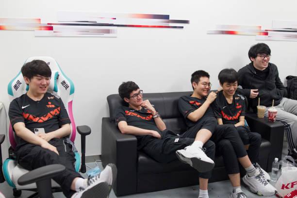 CHN: League of Legends Mid-Season Cup