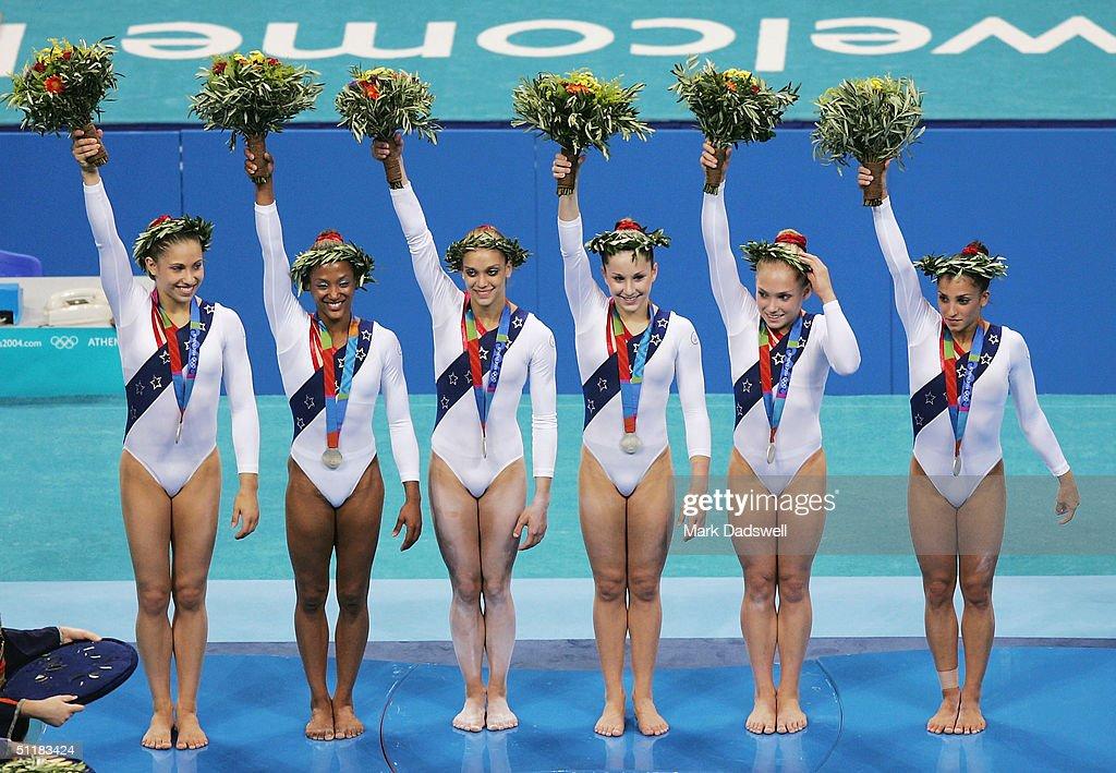 Womens Artistic Team Final : News Photo