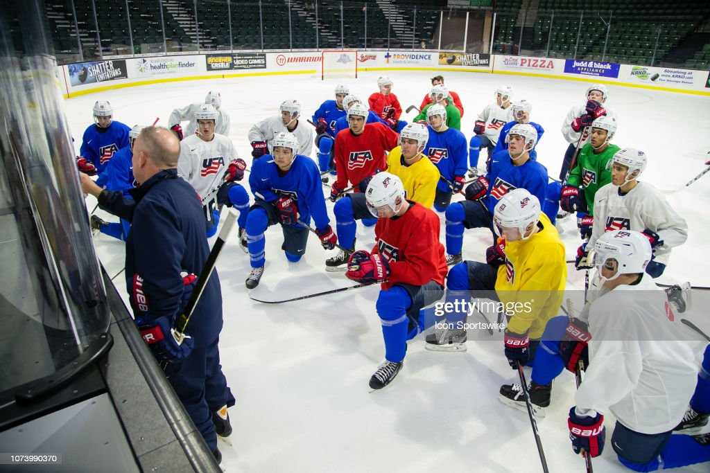 HOCKEY: DEC 15 U.S. National Junior Hockey Camp : News Photo