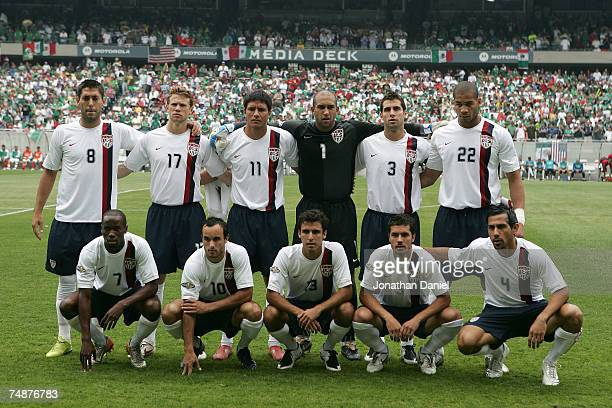 Team USA poses for a group photo against Mexico during the CONCACAF Gold Cup Final match at Soldier Field on June 24 2007 in Chicago Illinois