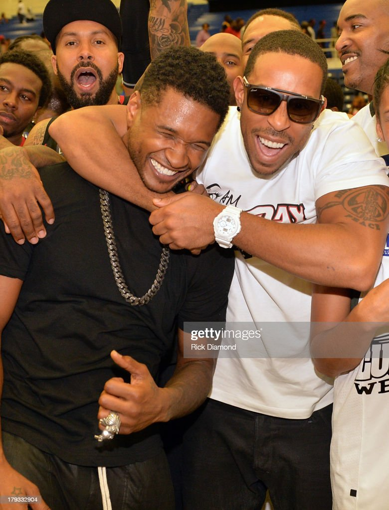 Team Usher beats Team Ludacris during Neuro Drinks At LudaDay Weekend Celebrity Basketball Game at GSU Sports Arena on September 1, 2013 in Atlanta, Georgia.