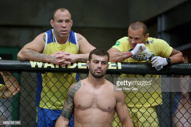Team Wanderlei fighter Ricardo Abreu stands in his corner with Coach Wanderlei SIlva and muay thai coach Andre Amade before facing Team Sonnen...