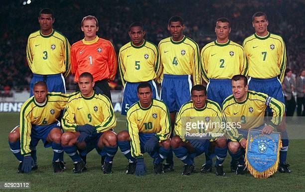 Team/BRAZIL/BRA, GRUPPE A/GROUP A, obere Reihe v.l.: Junior BAIANO, TORWART Claudio TAFFAREL, Cesar SAMPAIO, ALDAIR, CAFU, RIVALDO, untere Reihe...