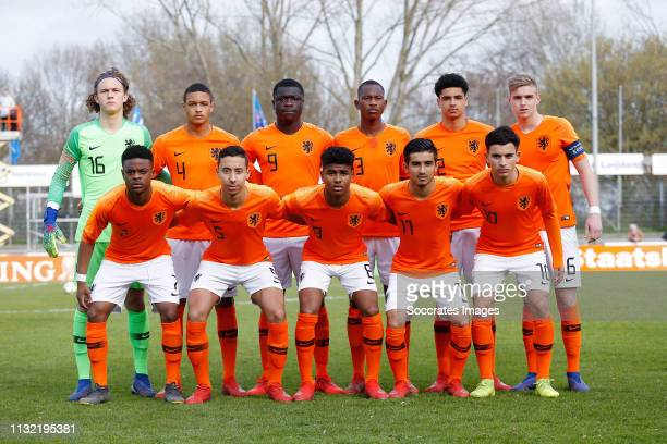 Teamfoto Holland U17 n16 Devyne Rensch of Holland U17 Brian Brobbey of Holland U17 n3 Ki Jana Hoever of Holland U17 Kenneth Taylor of Holland U17...