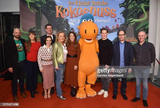 Teamfoto with Gabriele M Walther Carolin Kebekus Max von der Groeben and Anthony Power attend the premiere for the film 'Der kleine Drache Kokosnuss...