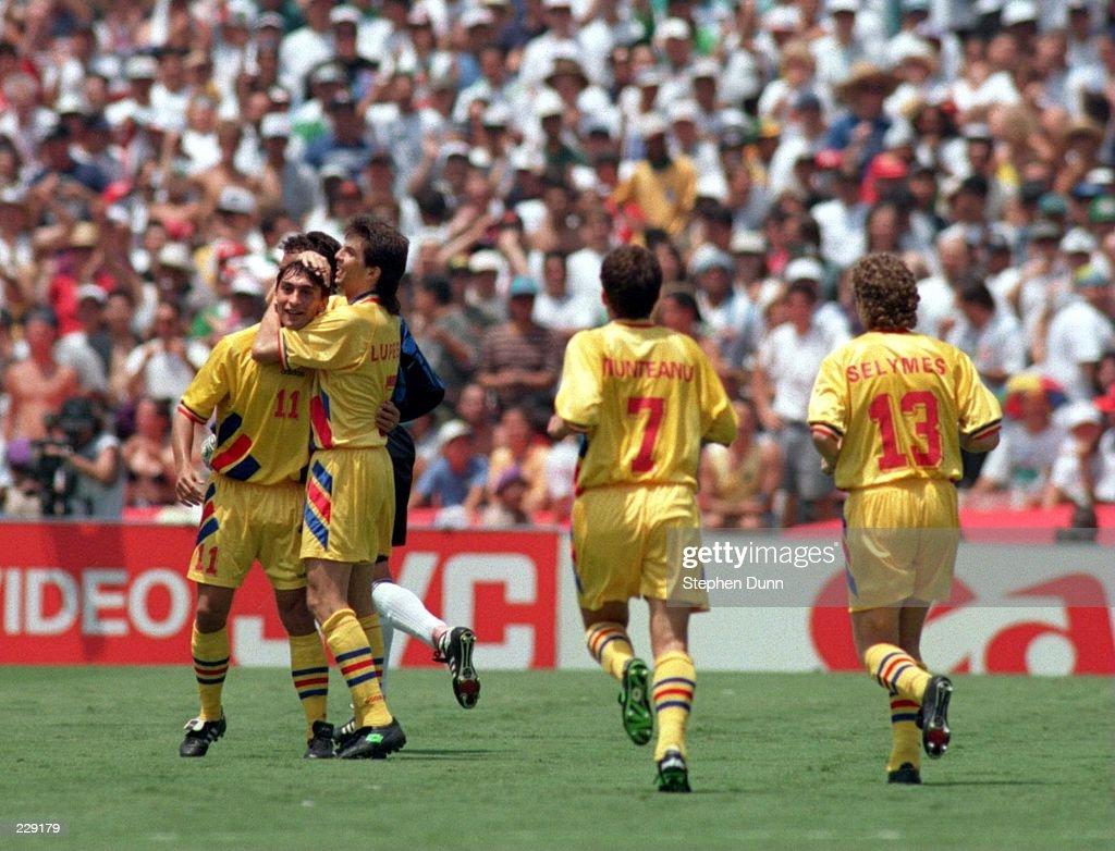 ROMANIA V ARGENTINA : News Photo