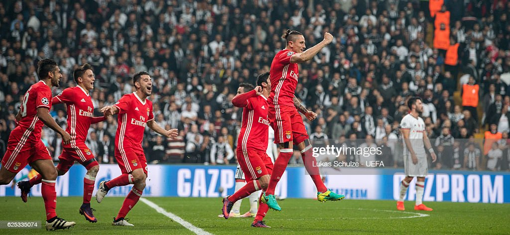 Teammates of Benfica celebrate the teams third goal of Ljubomir Fejsa (R) during the UEFA Champions League match between Besiktas JK and SL Benfica at Vodafone Arena on November 23, 2016 in Istanbul.