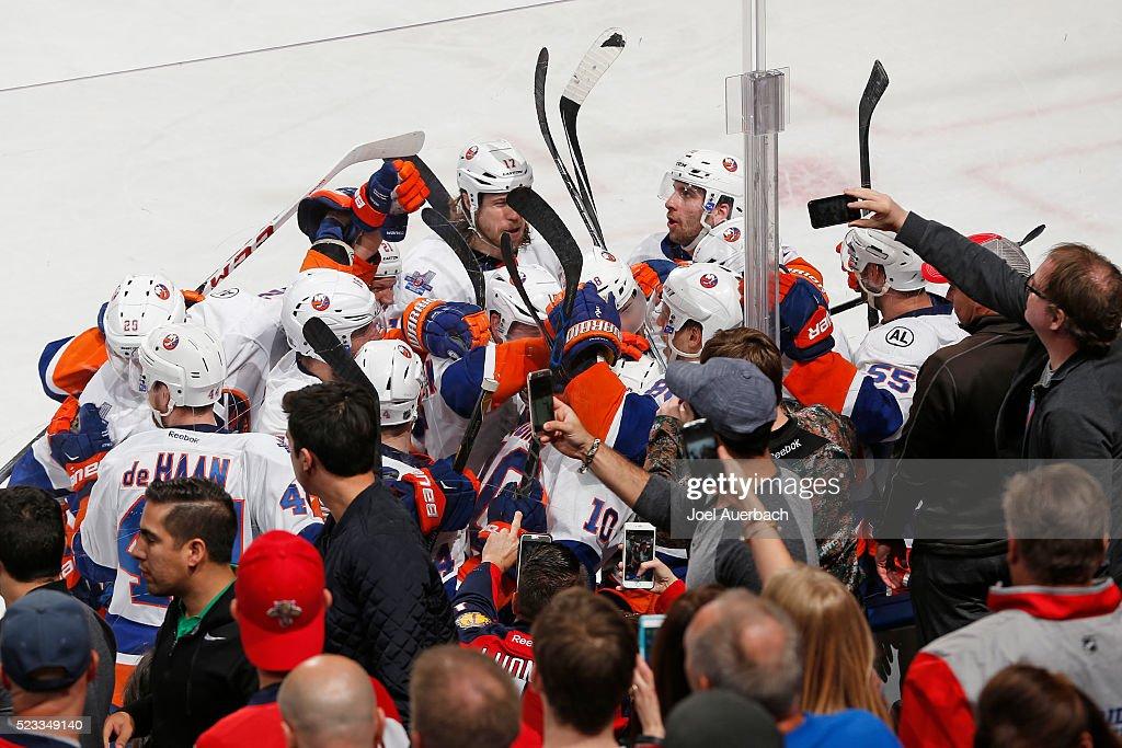 New York Islanders v Florida Panthers - Game Five : News Photo