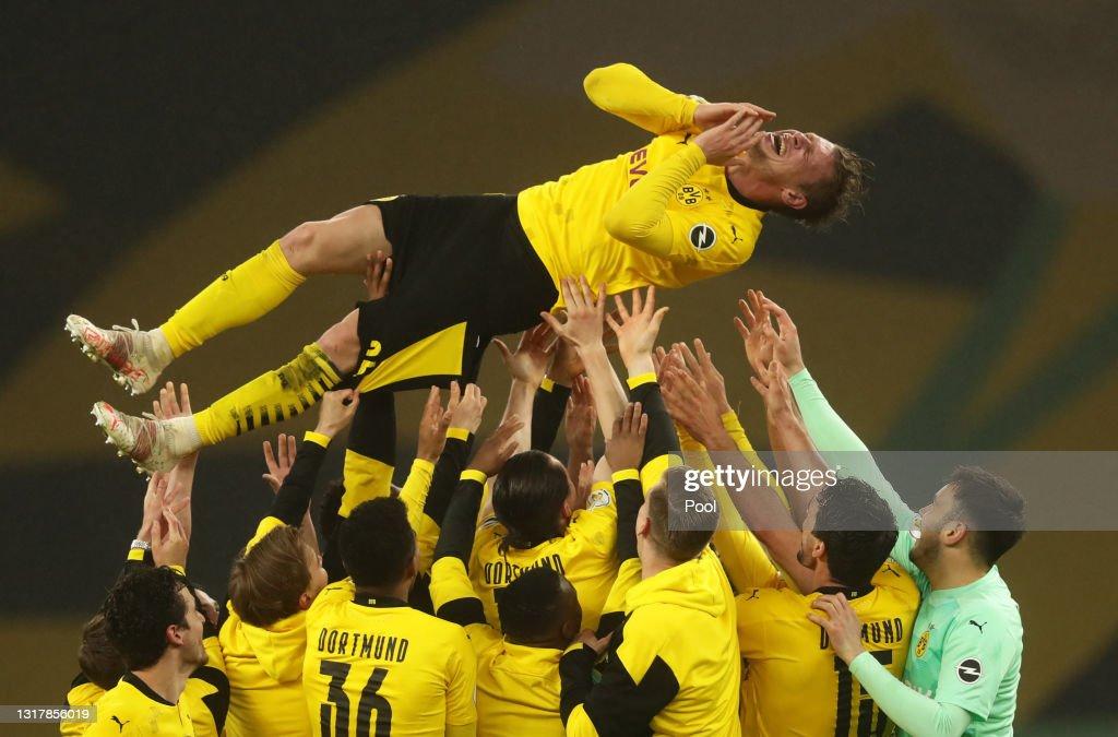 RB Leipzig v Borussia Dortmund - DFB Cup Final 2021 : Photo d'actualité
