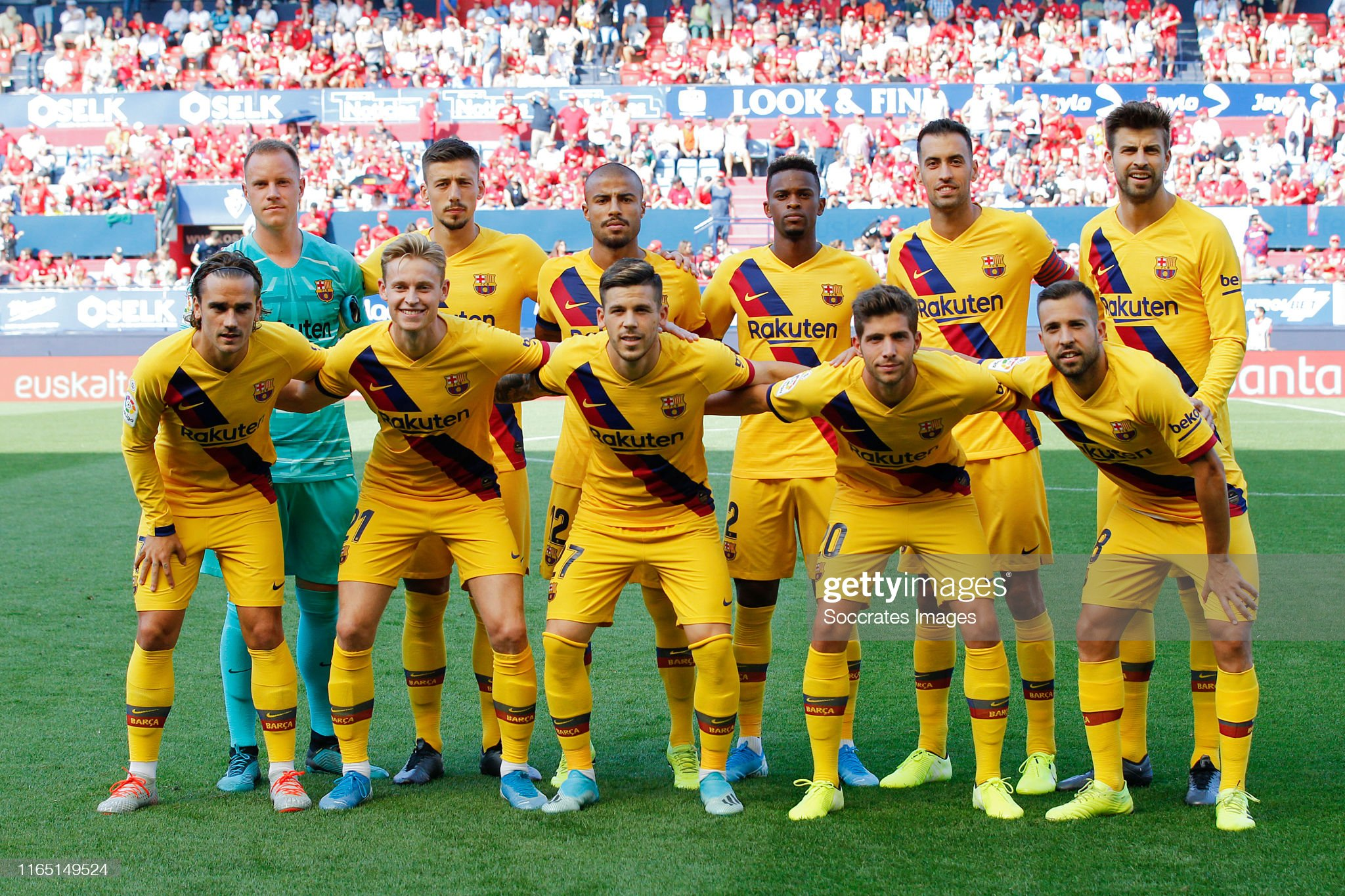 صور مباراة : أوساسونا - برشلونة 2-2 ( 31-08-2019 )  Teamphoto-of-fc-barcelona-during-the-la-liga-santander-match-between-picture-id1165149524?s=2048x2048