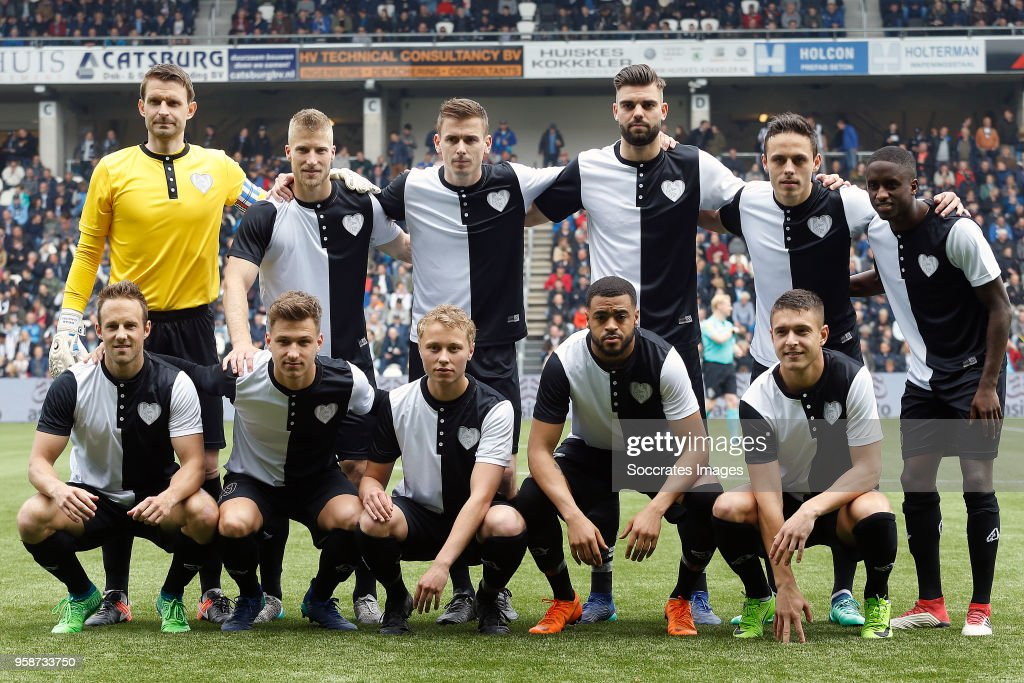 teamphoto of Heracles Almelo during the Dutch Eredivisie match between Heracles Almelo v FC Utrecht at the Polman Stadium on April 29, 2018 in Almelo Netherlands