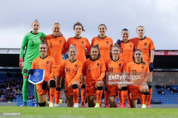 Teamphoto of Holland standing Sari van Veenendaal of Holland Women, Stefanie van der Gragt of Holland Women, Dominique Janssen of Holland Women,...