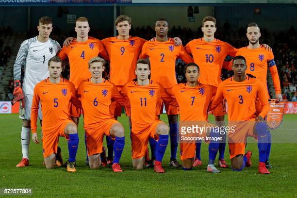 Teamphoto of Holland U21 standing Justin Bijlow of Holland U21 Rick van Drongelen of Holland U21 Sam Lammers of Holland U21 Denzel Dumfries of...