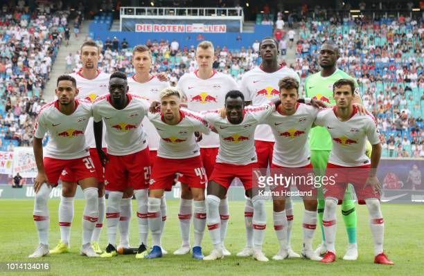 Teamphoto of Leipzig back row from left Stefan Ilsanker Willi Orban Lukas Klostermann Ibrahima Konate Goalkeeper Yvon Mvogo front row from left...