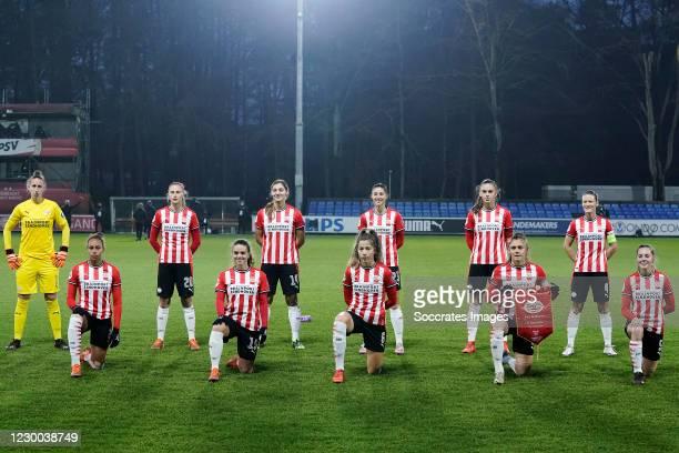 Teamphoto PSV Women Sari van Veenendaal of PSV Women, Ellie Jean of PSV Women, Julie Biesmans of PSV Women, Jeslynn Kuijpers of PSV Women, Aniek...
