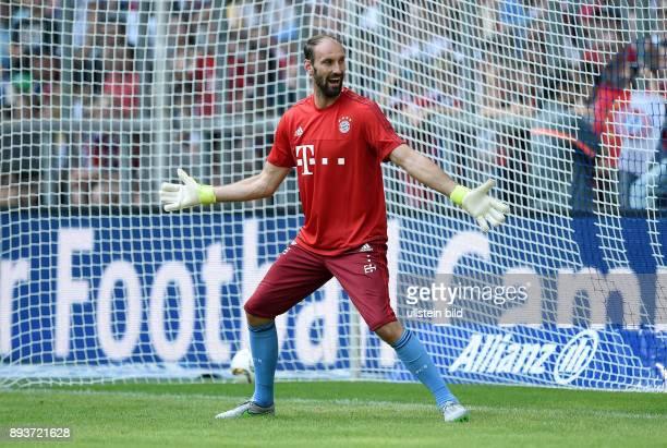 Teampraesentation FC Bayern Muenchen in der Allianz Arena Torwart Tom Starke