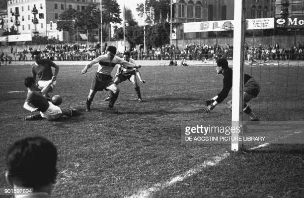 Teams during the football match Genoa Bari June 9 semifinal of Coppa Italia Italian football annual cup season 19391940 Luigi Ferraris stadium Genoa...