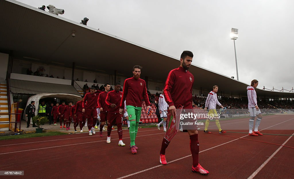 Teams entering the pitch during the U21 International Friendly between Portugal and Denmark on March 26, 2015 in Marinha Grande, Portugal.