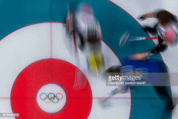 TOPSHOT Teams Sweden and South Korea compete during the curling women's gold medal game between South Korea and Sweden during the Pyeongchang 2018...