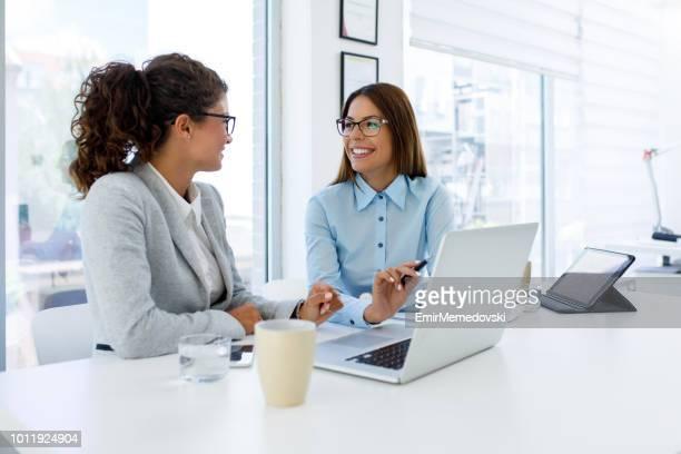 Travail d'équipe rend les grandes affaires bonnes affaires