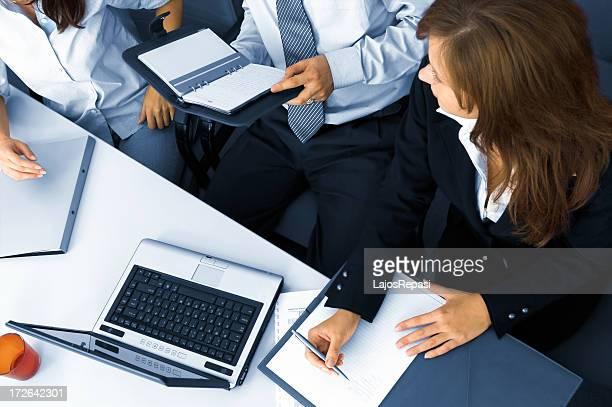 チームワーク - 数人 ストックフォトと画像