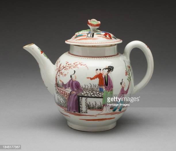 Teapot, Worcester, circa 1765. Artist Royal Worcester.