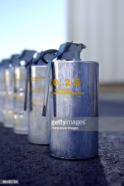 tear gas grenades - tear gas fotografías e imágenes de stock