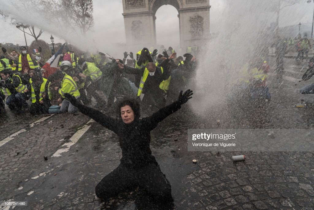 France's 'Yellow Vest' Protesters Return to Champs-Elysees : News Photo