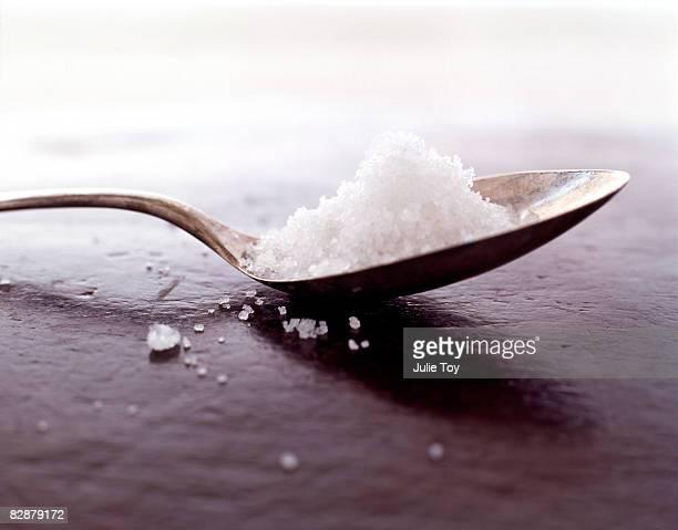 teaspoon of sea salt - ティースプーン ストックフォトと画像