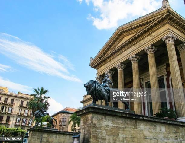 teatro massimo vittorio emanuele, palermo, sicily - sculpture stock pictures, royalty-free photos & images