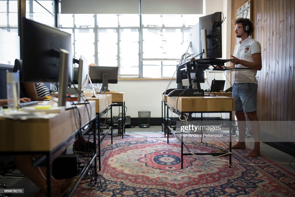 shared office space ideas. Techies Work In A Shared Office Space Called \u0027Ideas Cartel\u0027, Where Entrepreneurs And Ideas Z